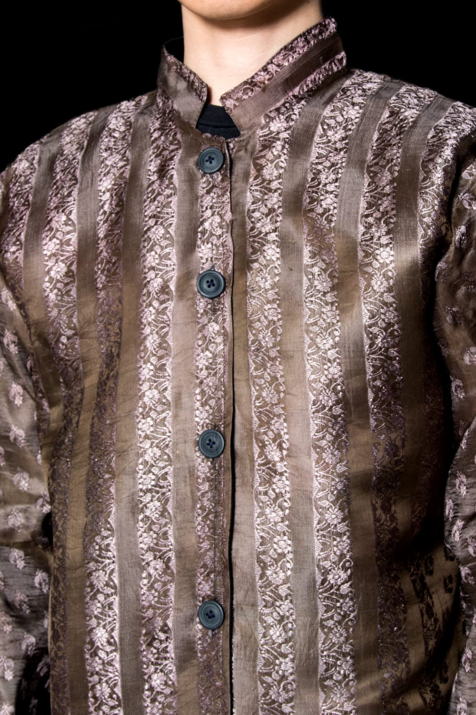 【1点もの】サリー刺繍 長袖クルタシャツ  4 - 胸元を見てみました。