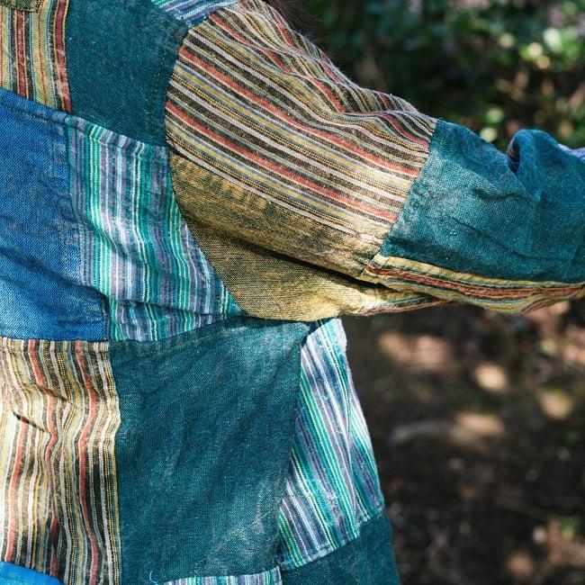 パッチワーク クルタシャツ ストーンウォッシュの深みある風合い 9 - 無地とストライプなどの布を、丁寧に張り合わせています。