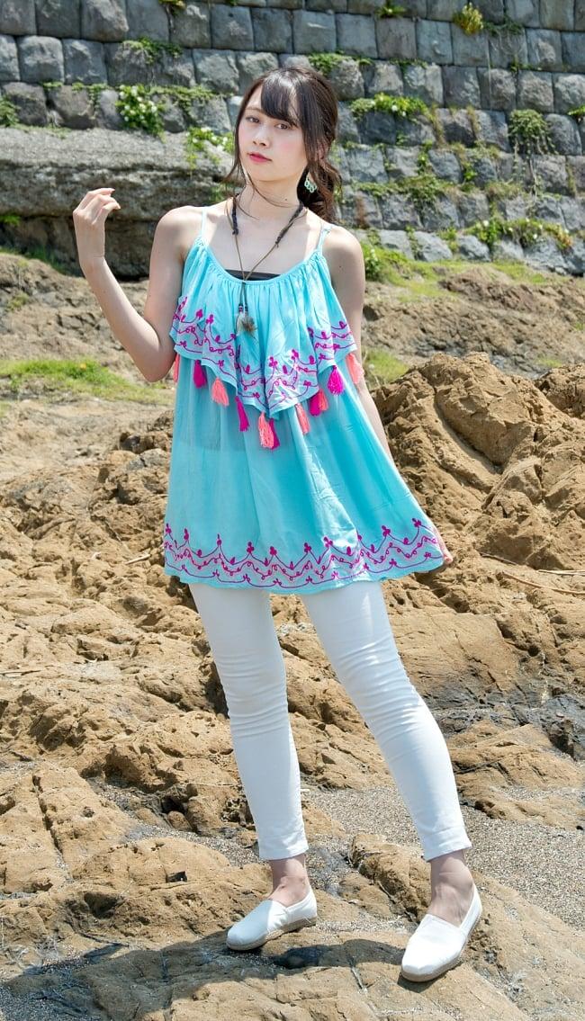 刺繍とタッセルのレイヤードキャミソール 2 - 身長163cmのモデルさん着用例です。