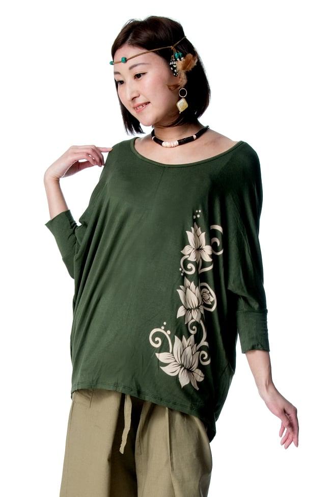 ロータスプリントストレッチ バルーンTシャツ 3 - ストレッチ素材は肌なじみのよくとても気持ちよく着ていただけます。