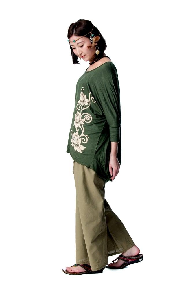 ロータスプリントストレッチ バルーンTシャツ 4 - サイドから見たシルエットです。
