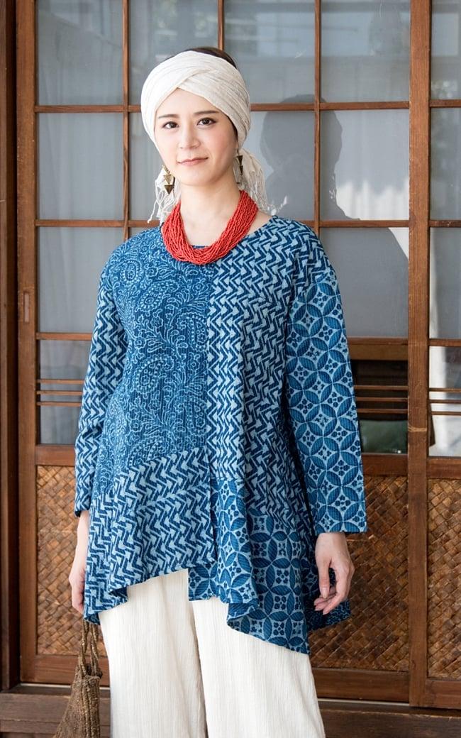 カンタ刺繍の藍染コットンシャツ 2 - 身長165cmのモデルさんの着用例になります。