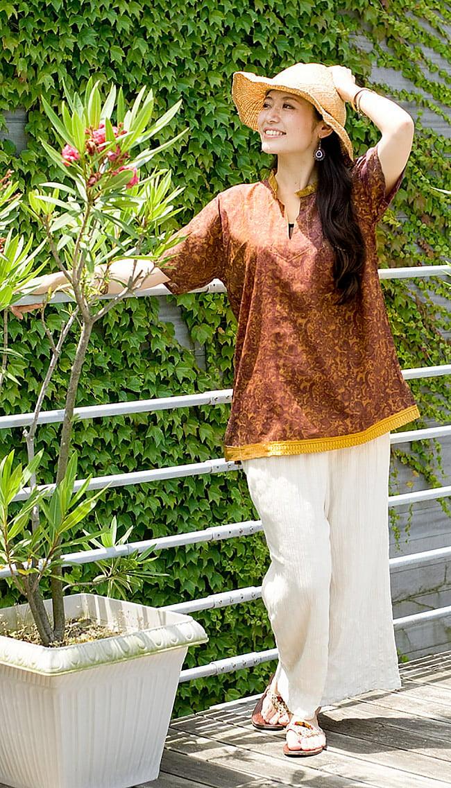 オールドサリーの半袖プルオーバーシャツ - 黄色・オレンジ系 2 - サラサラしたオールドサリーが心地よく着て頂けます。