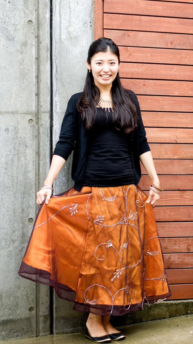 サリー生地サテン巻きスカート-オレンジ系アソートの写真