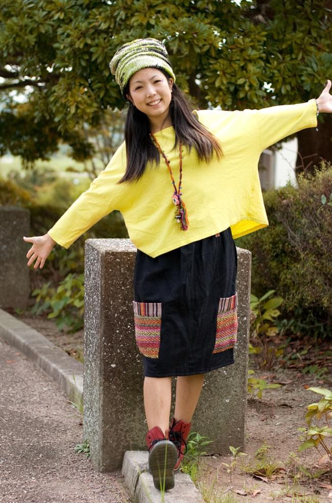 ネパールのカラフルポケットスカートの写真2 - B:ブラック