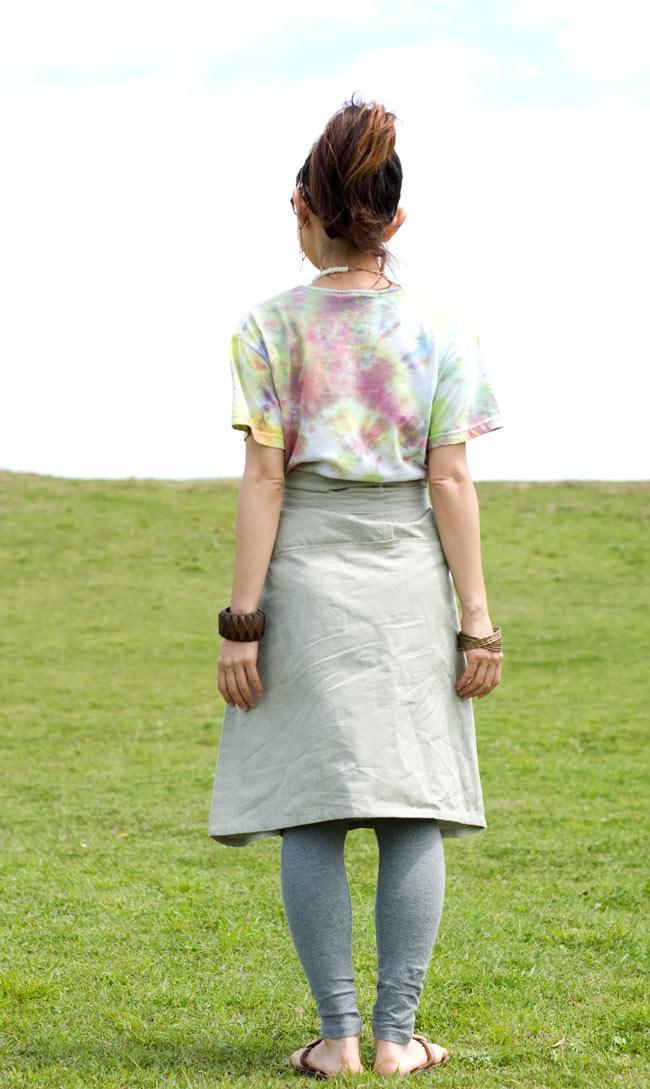 シンプルコットンのタイスカート 【ショート】 3 - 後ろ姿もシンプルでスッキリ!