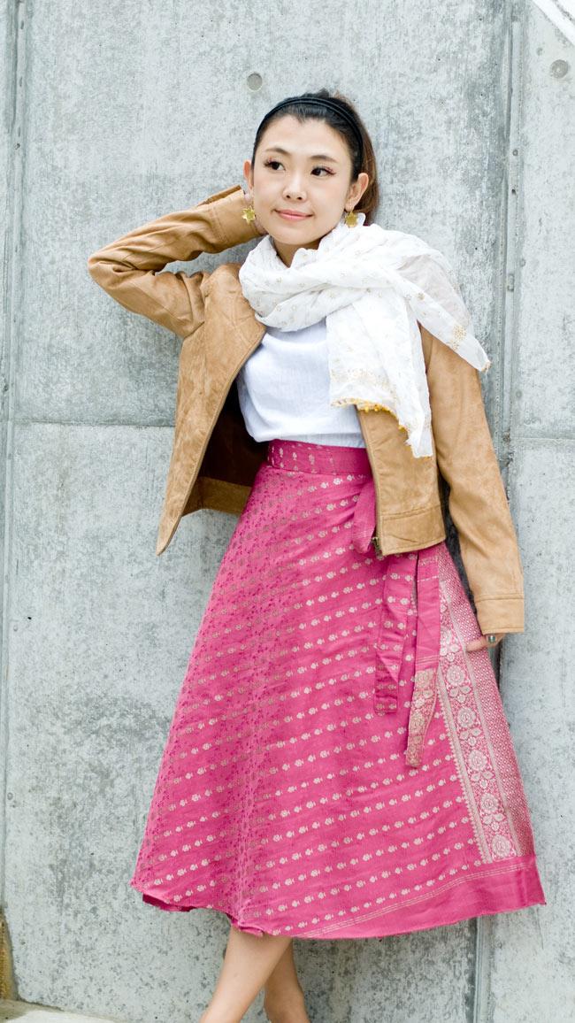 光沢布の刺繍巻きスカート 4 - D:ピンク系