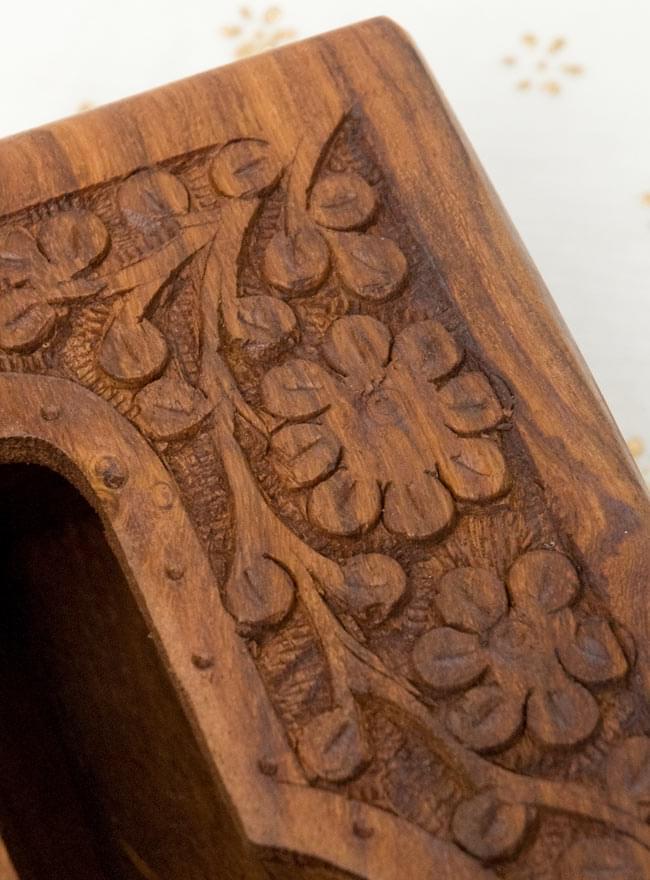 シーシャムウッドのティッシュケース -彫り華 [ソフトケース用] 3 - 彫刻模様を拡大しました。