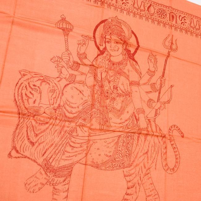 [190cm×100cm]トラに乗ったドゥルガー - オレンジの写真2 - 柄の拡大写真です