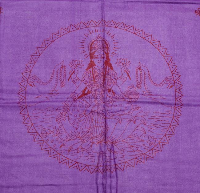 [190cm×100cm]蓮の花とラクシュミ - パープルの写真2 - 柄の拡大写真です