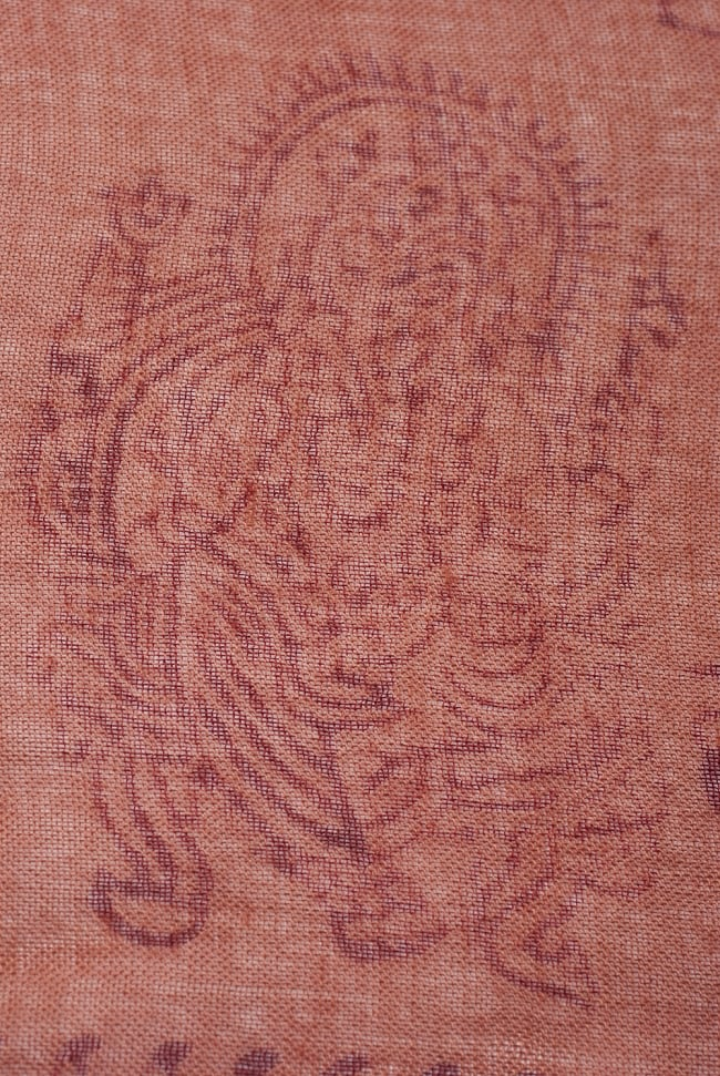 [約180cm×40cm]インド薄ラムナミ【ロング】 - テラコッタの写真3 - 神様柄の様子です。オーンであったりガネーシャであったり様々ですので、アソートでのお届けと鳴ります。