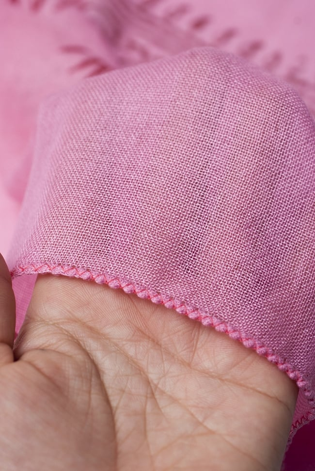 [約180cm×40cm]インド薄ラムナミ【ロング】 - ピンクの写真5 - 透け感のある布地です。