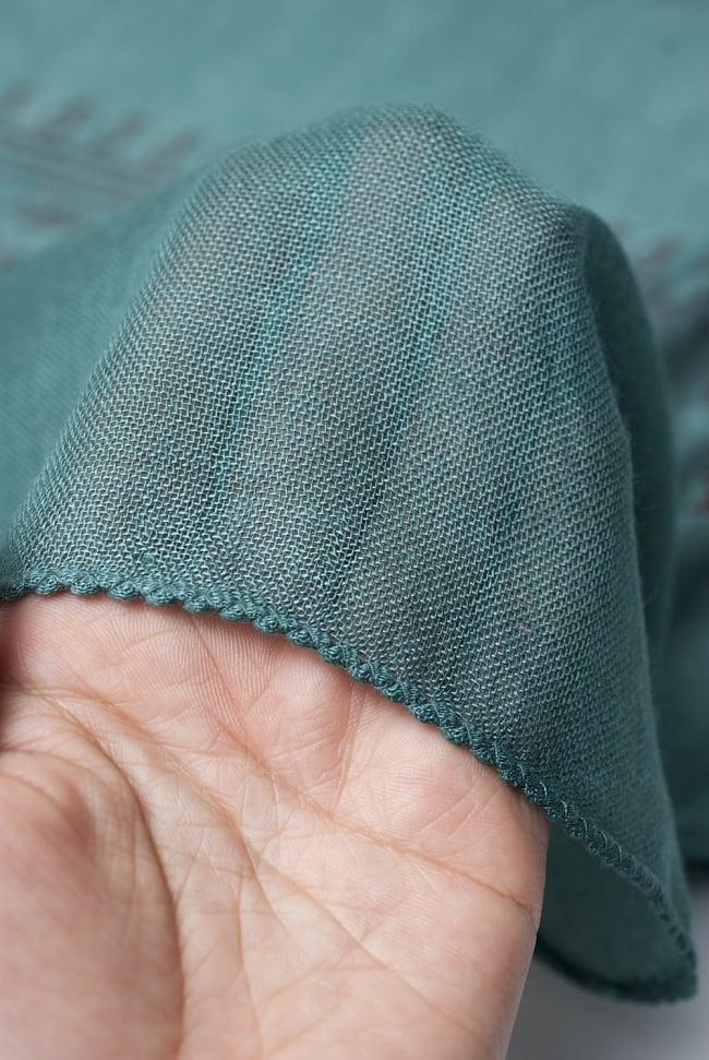 [約180cm×40cm]インド薄ラムナミ【ロング】 - 濃青緑の写真5 - 透け感のある布地です。