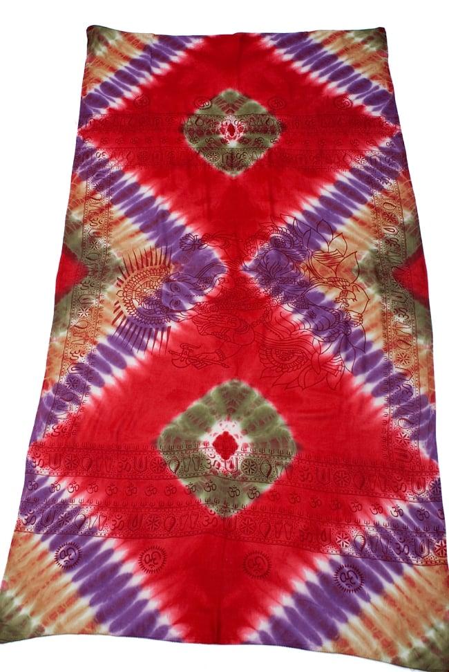 〔195cm*100cm〕ガネーシャ&ヒンドゥー神様のタイダイサイケデリック布 - 赤×紫×茶×緑系 2 - 全体写真です。とても大きな布なのでソファーカバーなどのインテリアファブリックへ。