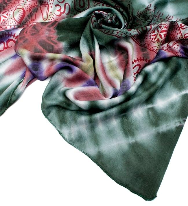 〔195cm*100cm〕ガネーシャ&ヒンドゥー神様のタイダイサイケデリック布 - 濃緑×小豆×紫系の写真5 - フチの写真です