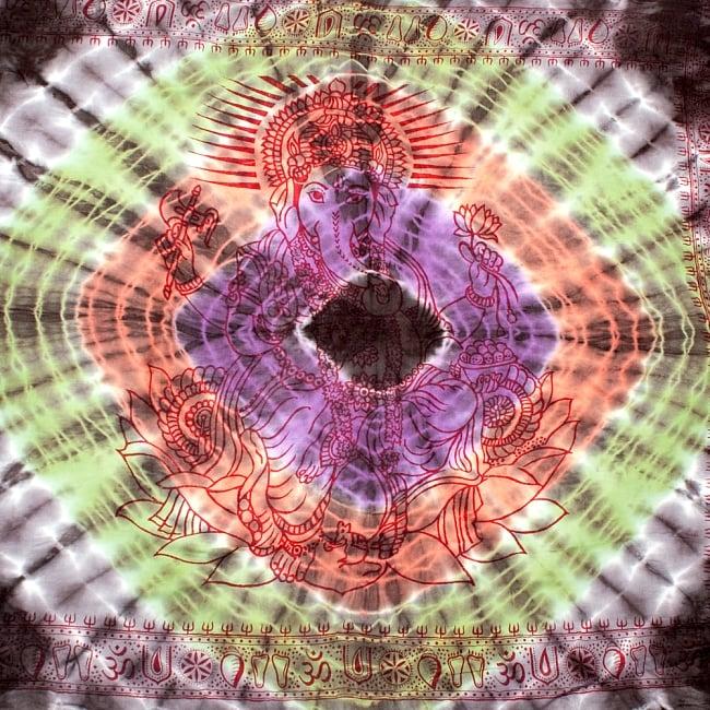〔195cm*100cm〕ガネーシャ&ヒンドゥー神様のタイダイサイケデリック布 - 黒×紫×オレンジ×緑系の写真