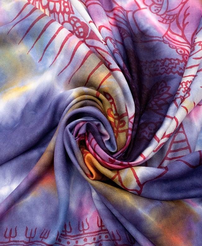 〔195cm*100cm〕ガネーシャ&ヒンドゥー神様のタイダイサイケデリック布 - 紫×黄×ピンク×水色系の写真4 - タイダイ特有の色合いがとても綺麗です