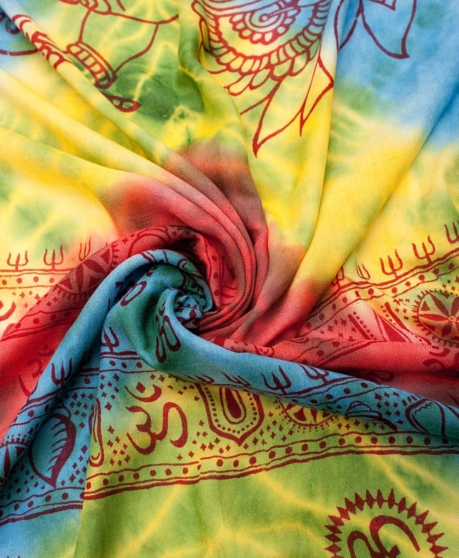 〔195cm*100cm〕ガネーシャ&ヒンドゥー神様のタイダイサイケデリック布 - 黄×水色×緑×赤×緑系の写真4 - タイダイ特有の色合いがとても綺麗です