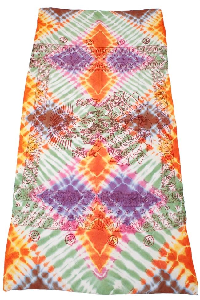 〔195cm*100cm〕ガネーシャ&ヒンドゥー神様のタイダイサイケデリック布 - 緑×オレンジ×紫×ピンク系 2 - 全体写真です。とても大きな布なのでソファーカバーなどのインテリアファブリックへ。