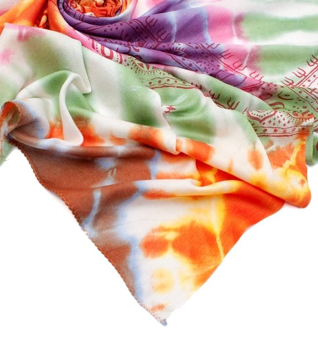 〔195cm*100cm〕ガネーシャ&ヒンドゥー神様のタイダイサイケデリック布 - 緑×オレンジ×紫×ピンク系 5 - フチの写真です