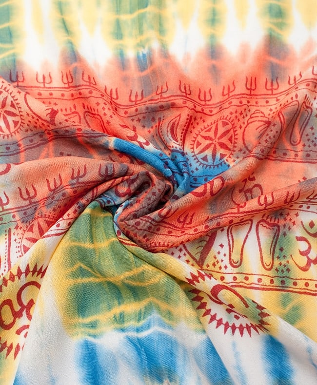 〔195cm*100cm〕ガネーシャ&ヒンドゥー神様のタイダイサイケデリック布 - 青×黄×オレンジ系の写真4 - タイダイ特有の色合いがとても綺麗です