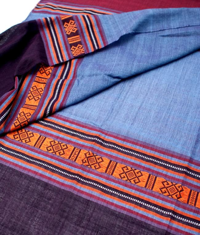 ベトナム ターイ族の伝統手織りスカーフ・デコレーション布(切りっぱなし) 2 - 拡大写真です。丁寧に織られています。