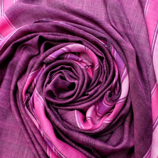 〔170cm×53cm〕ボーダーストール- ピンク×紫系の写真5 - 美しい色彩感覚を持つインドからやってきました
