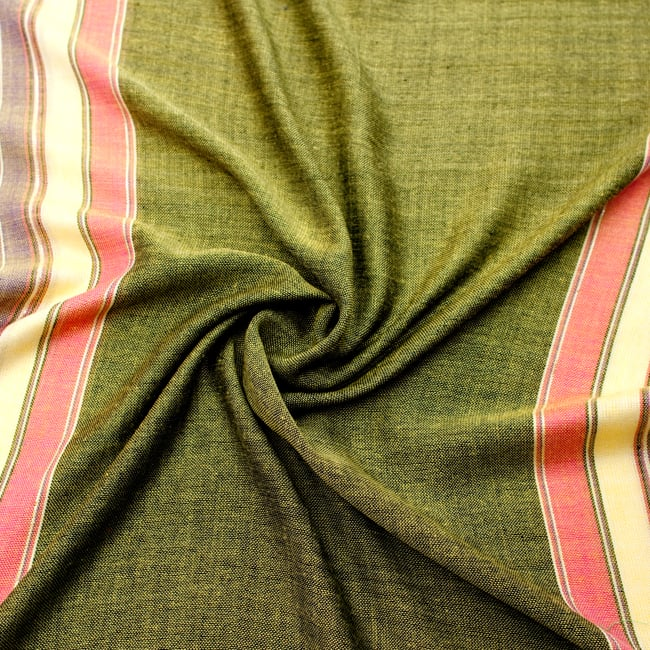 〔170cm×53cm〕ボーダーストール- 緑黄色×ピンク×黄色×紫系の写真5 - 美しい色彩感覚を持つインドからやってきました