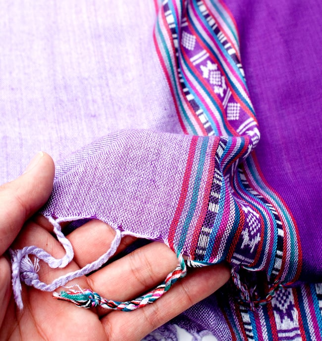〔173cm×53cm〕ボーダーストール- 薄紫×紫系の写真7 - このような質感になります