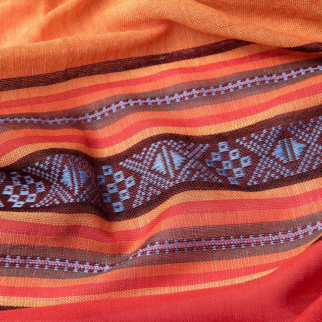 〔暖色系アソート〕ベトナム ターイ族の伝統手織りスカーフ・デコレーション布(切りっぱなし) 4 - 拡大写真です。