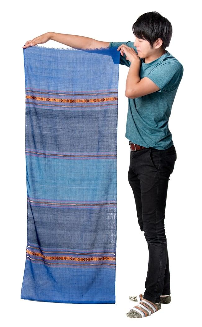 〔暖色系アソート〕ベトナム ターイ族の伝統手織りスカーフ・デコレーション布(切りっぱなし) 6 - このくらいのサイズ感になります