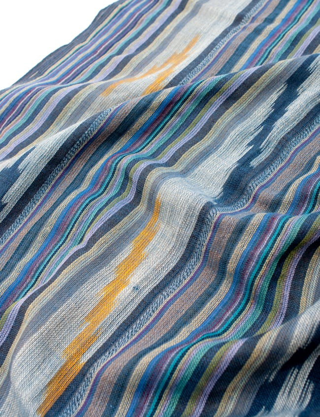 〔170cm×100cm〕ヘビーイカットルンギー - 青×黄色系の写真4 - インドコットン生地が使われています