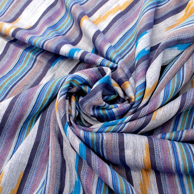 〔170cm×100cm〕ヘビーイカットルンギー - 紫×水色×白系の写真5 - 色彩の国、インドらしい美しい配色。差し色として素敵です。