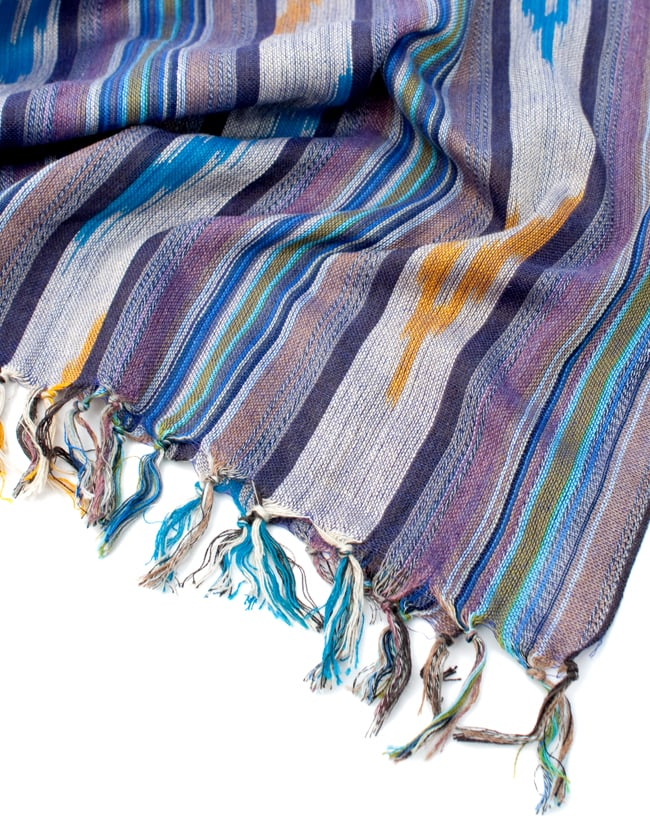 〔170cm×100cm〕ヘビーイカットルンギー - 紫×水色×白系の写真6 - フリンジの写真です