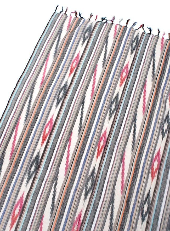 〔170cm×100cm〕ヘビーイカットルンギー - 亜麻色×黒×グレー系の写真3 - 拡大写真です