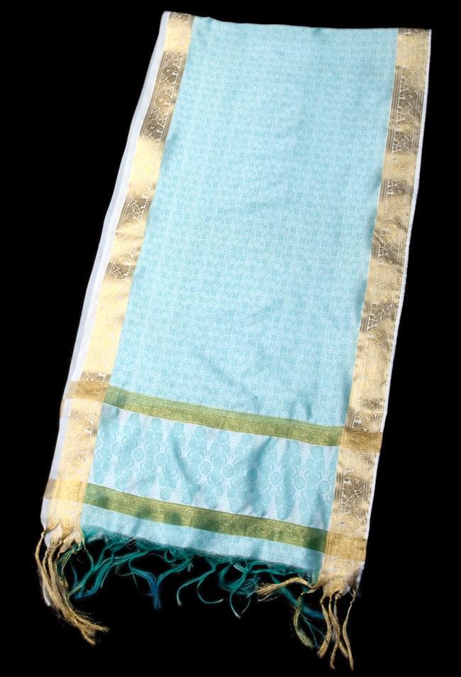 ボーダー入り 光沢スカーフ・デコレーション布 - 唐草・白×緑の写真