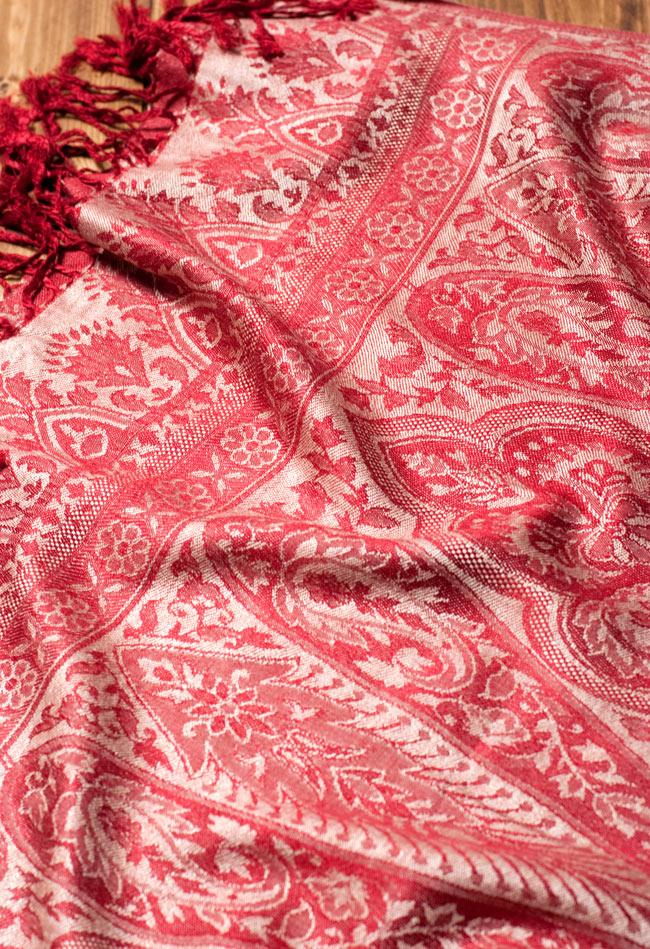 〔200cm×70cm〕インド更紗 伝統チンツ柄ストール - 赤系アソート 5 - 別の角度からの写真です。模様は伝統的なインド更紗模様です。