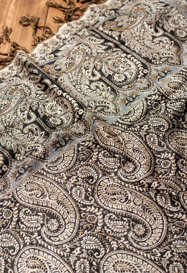 〔200cm×70cm〕インド更紗 伝統チンツ柄ストール - 黒系アソートの写真5 - 別の角度からの写真です。模様は伝統的なインド更紗模様です。