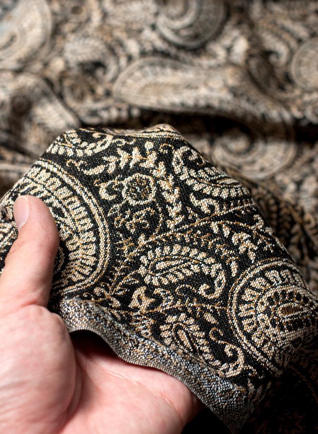 〔200cm×70cm〕インド更紗 伝統チンツ柄ストール - 黒系アソートの写真7 - 肌触りはチクチクしないので、ウールのマフラーなどが苦手なお客様へもオススメです!