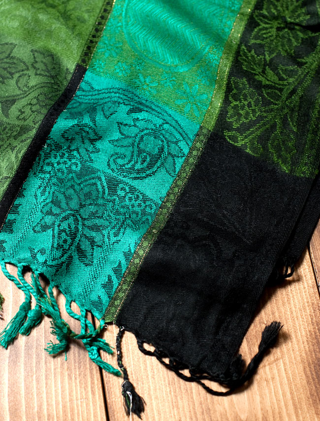 〔200cm×70cm〕インド更紗 伝統チンツ柄ストール - 緑系アソートの写真3 - 縁の拡大写真です