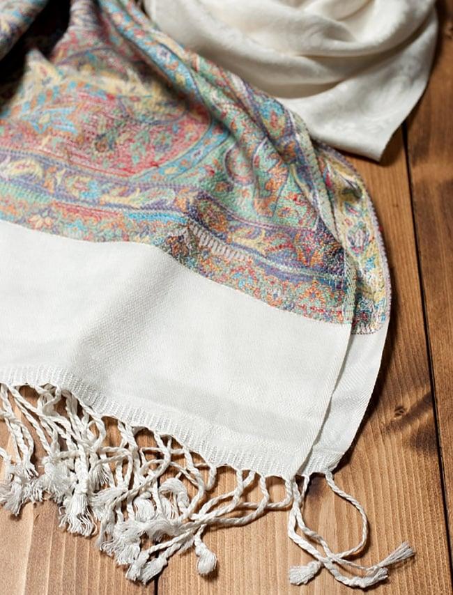 〔200cm×70cm〕インド更紗 伝統ペイズリー柄ストール - ホワイト 2 - 縁の拡大写真です