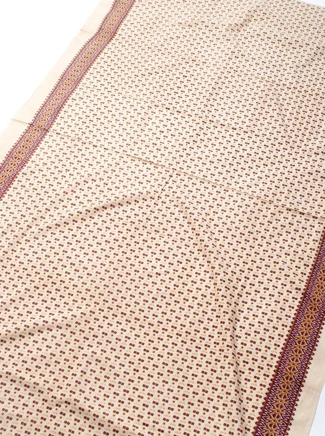〔180cm*120cm〕インドの伝統柄 更紗模様プリント布の写真2 - 全体写真です。お部屋をアジアンな雰囲気にしてくれます。