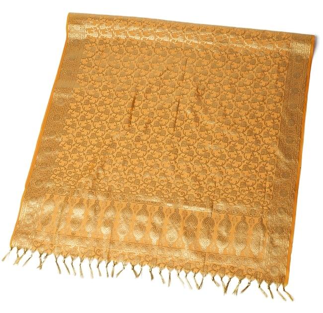 [大判]金色刺繍のデコレーション布 - 唐草・黄色の写真