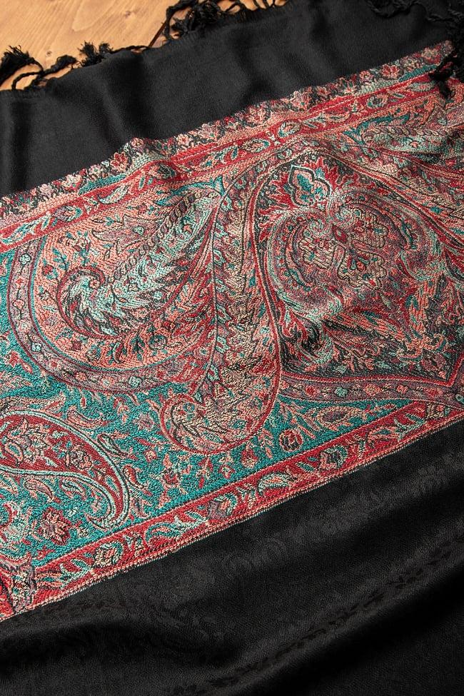 〔210cm×95cm〕インドの伝統柄 ペイズリーショール - ブラック 6 - 別の角度から見てみました。