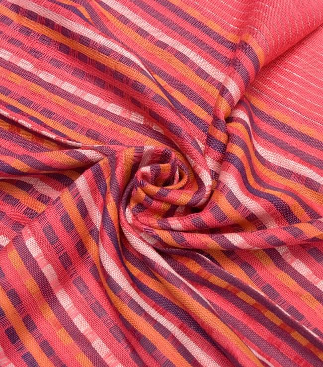 銀糸入りスカーフ - 濃ピンク系 5 - クシュッとしてみました。