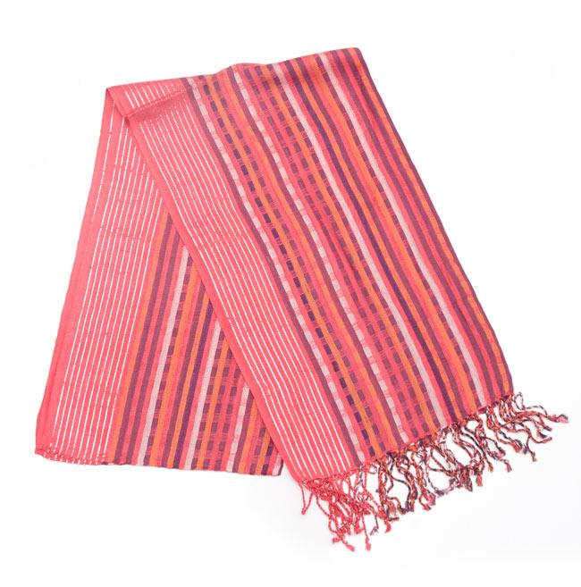 銀糸入りスカーフ - 濃ピンク系の写真
