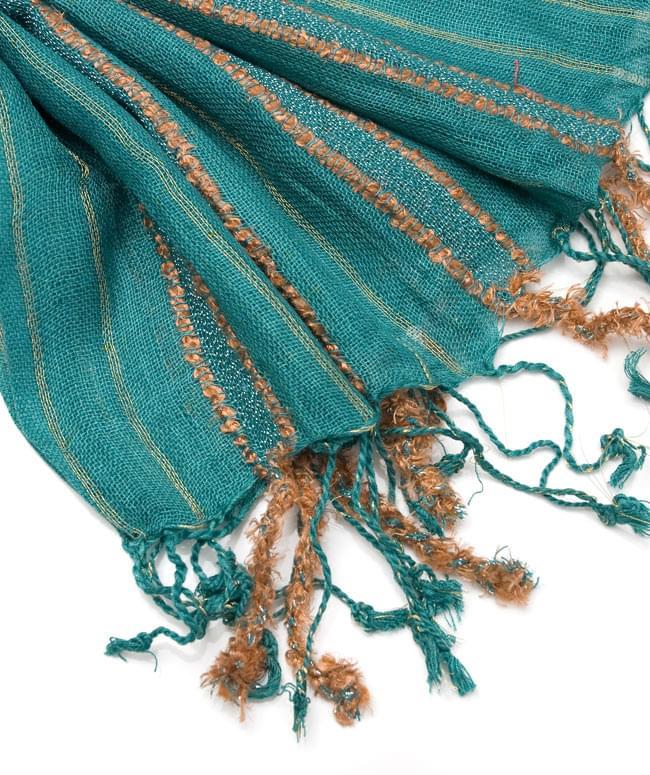 金糸入りスカーフ - 淡緑系の写真4 - フリンジ部分はこんな具合です。