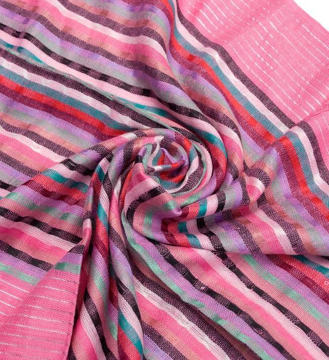 銀糸入りスカーフ - ピンク系の写真5 - クシュッとしてみました。