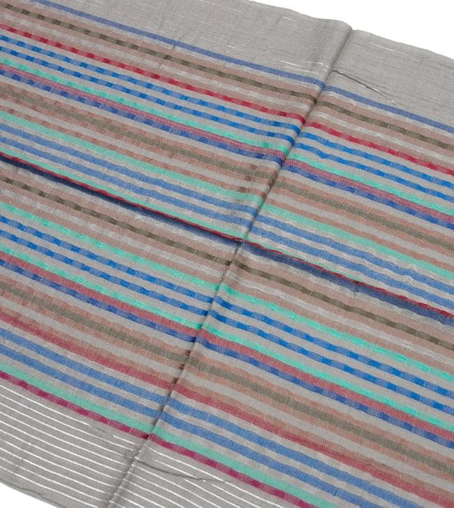 銀糸入りスカーフ - グレー系 2 - 銀糸がアクセントになっています。