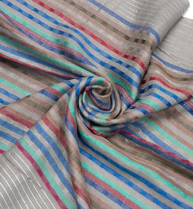 銀糸入りスカーフ - グレー系 5 - クシュッとしてみました。